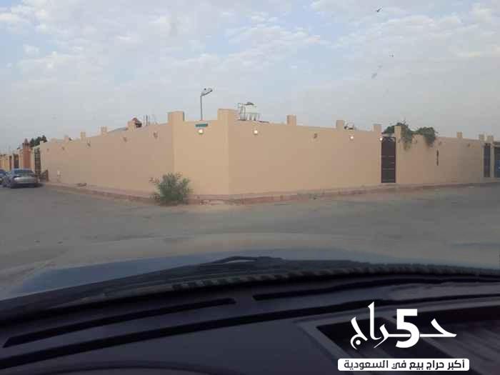 استراحة للبيع في حي المعيزلة في الرياض