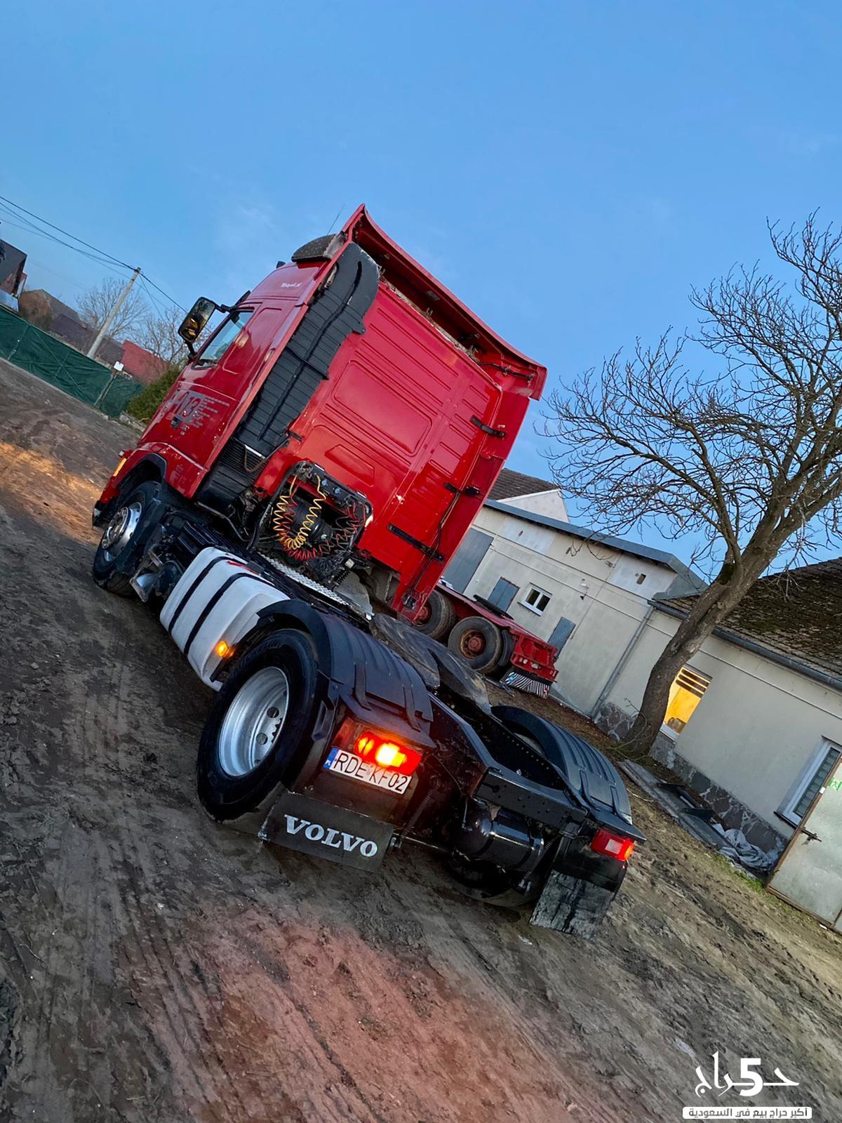 تملك شاحنتك فولفو الحمراء بسعر رمزي ومواصفات دولية